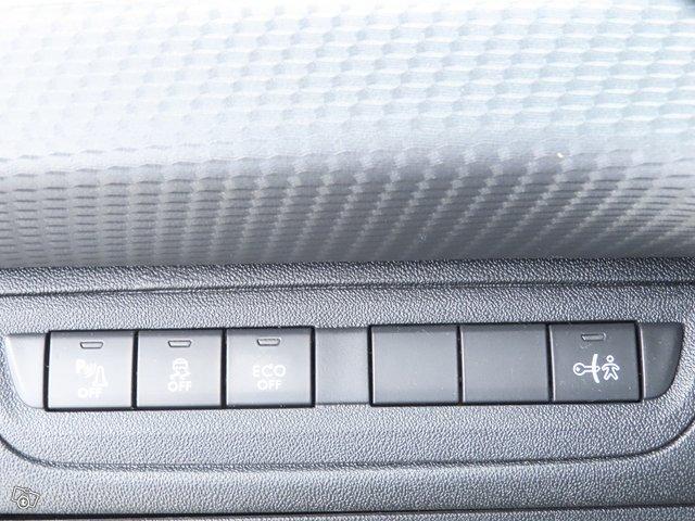Peugeot 208 24