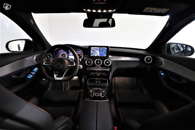 Mercedes-Benz C 43 AMG 10