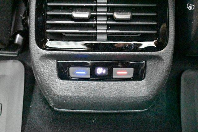Volkswagen ID.4 15