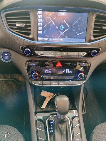 Hyundai IONIQ Hybrid 6