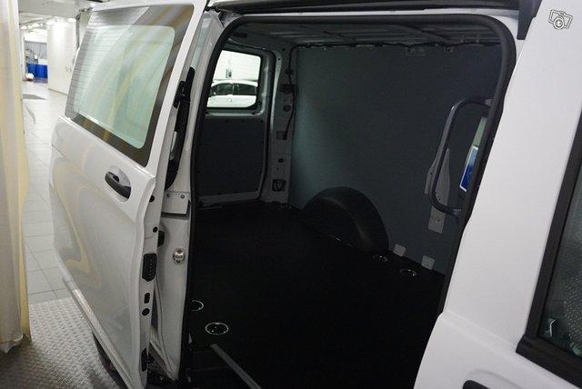 Mercedes-Benz VITO 13