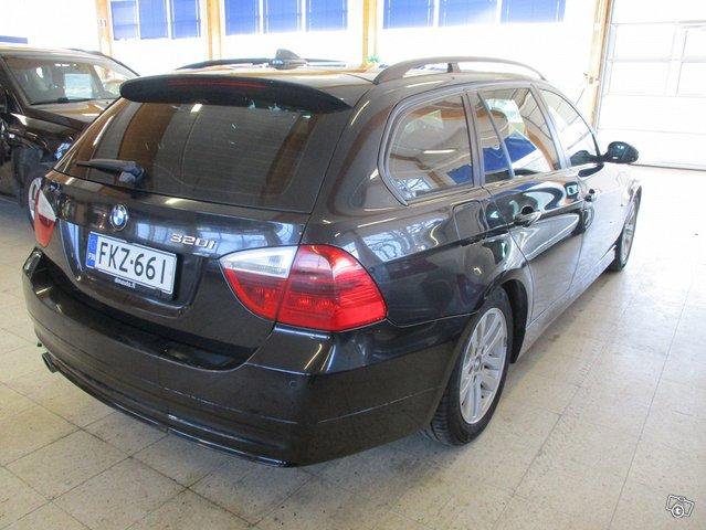 BMW 320i 2