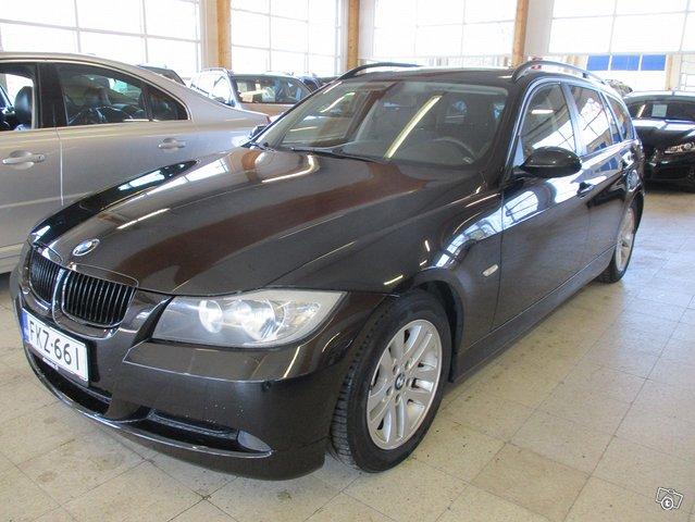 BMW 320i 4