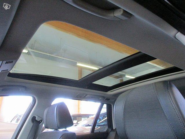 BMW 320i 13