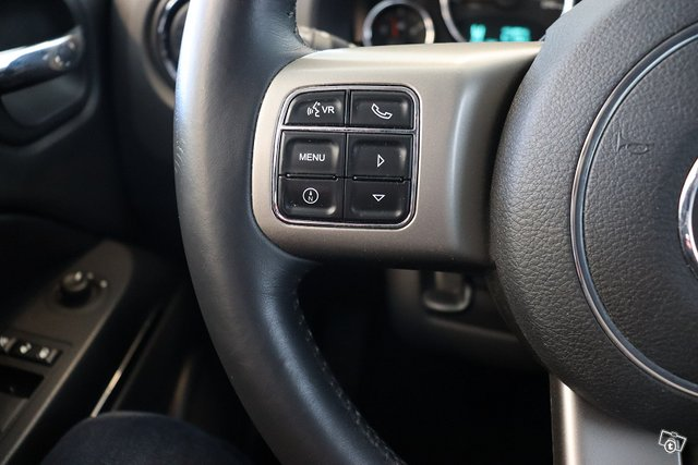 Jeep Compass 25