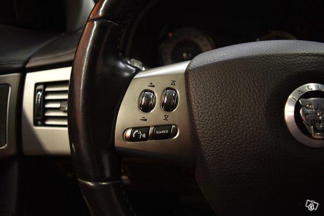 Jaguar XF 18