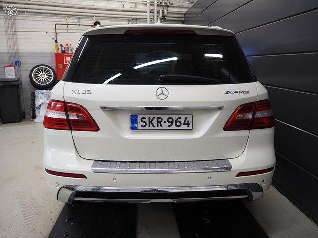 Mercedes-Benz ML 350 Bluetec 4MATIC 4