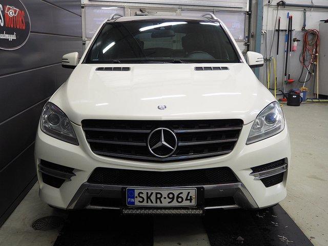 Mercedes-Benz ML 350 Bluetec 4MATIC 5