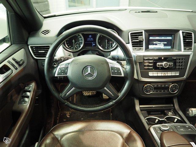 Mercedes-Benz ML 350 Bluetec 4MATIC 6