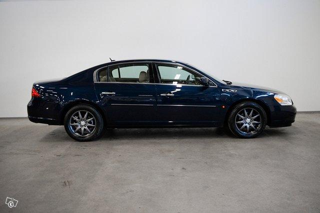 Buick Lucerne 4