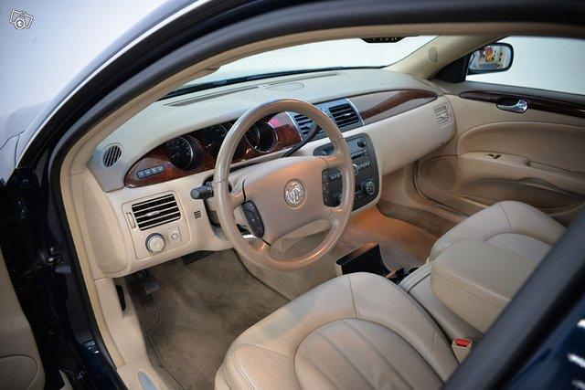Buick Lucerne 10