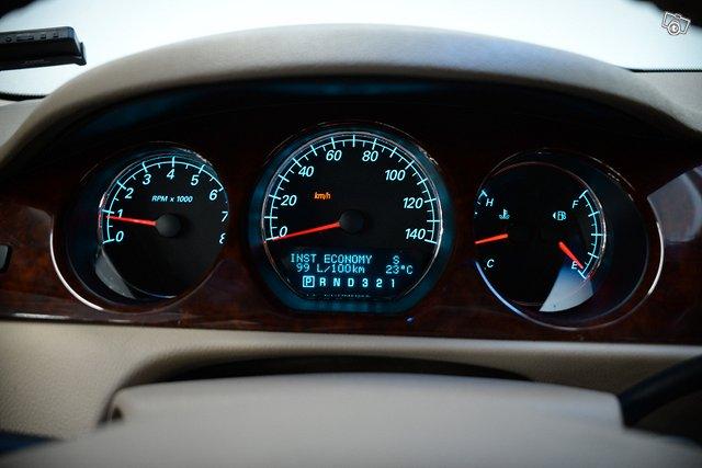 Buick Lucerne 14