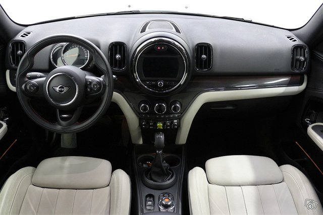 Mini Countryman Cooper SE 8