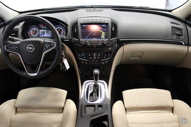 Opel Insignia 11