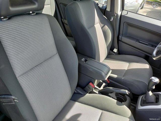 Dodge Caliber 11