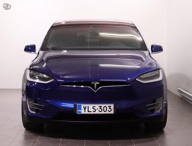 Tesla Model X 3