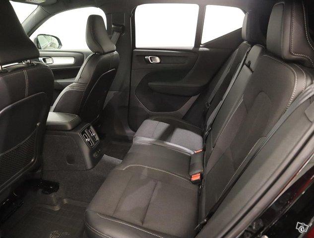 Volvo XC40 17