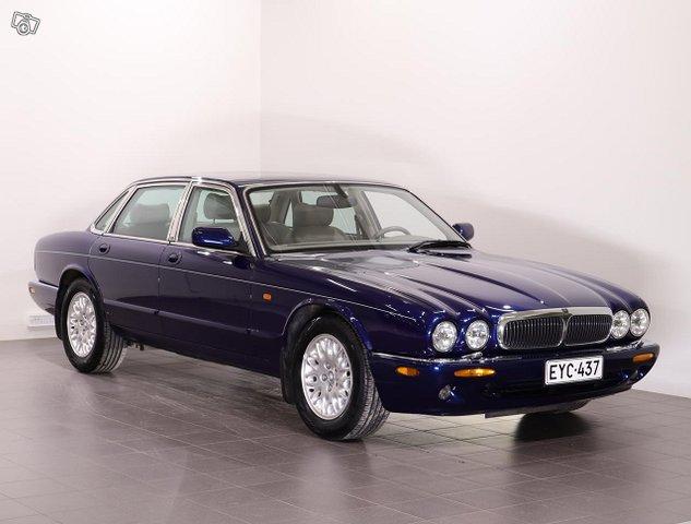 Jaguar XJ8 2