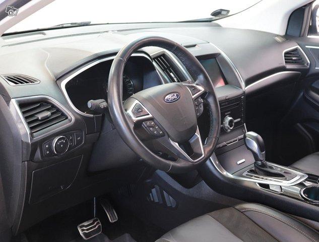 Ford Edge 9