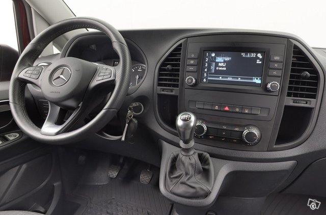 Mercedes-Benz VITO 10