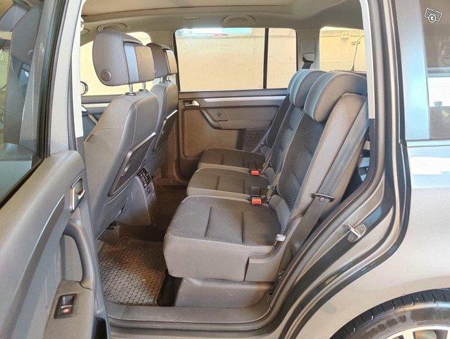 Volkswagen Touran 11