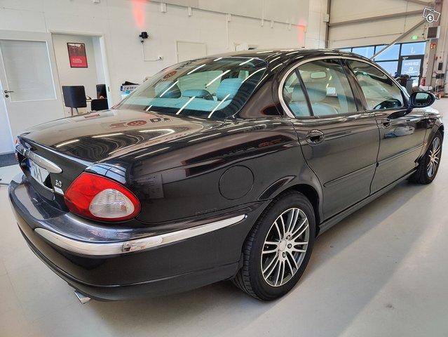 Jaguar X-type 6