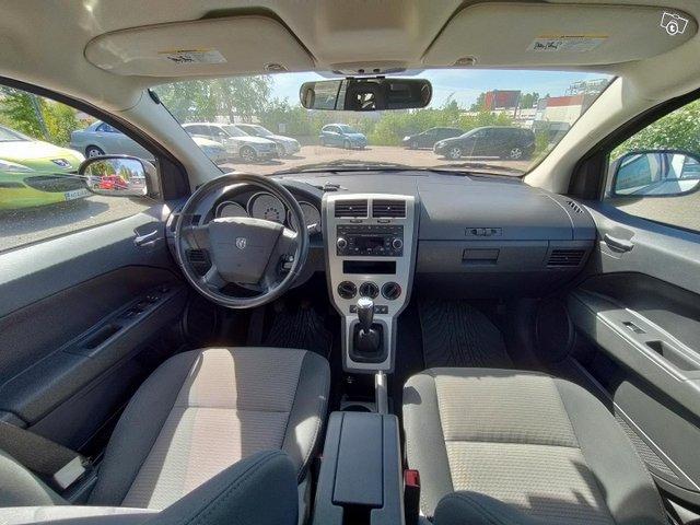 Dodge Caliber 8
