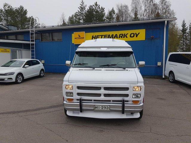 Chevrolet Chevy Van 2
