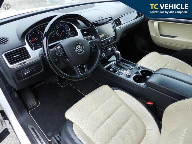 Volkswagen Touareg 7