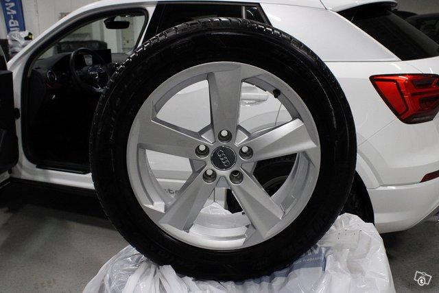 Audi Q2 22
