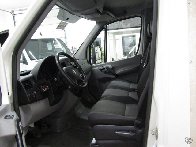 Volkswagen Crafter 12