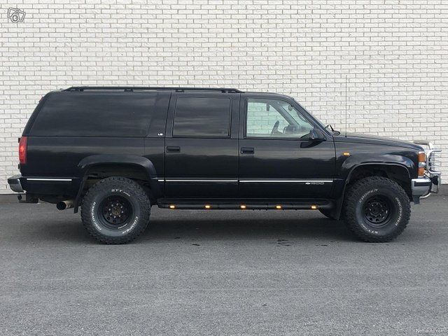 Chevrolet Suburban 5
