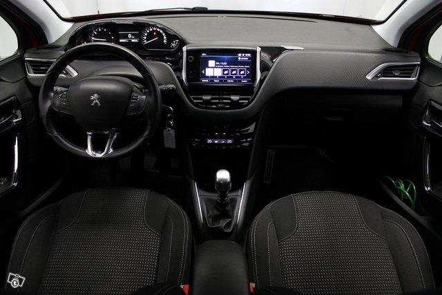 Peugeot 208 14