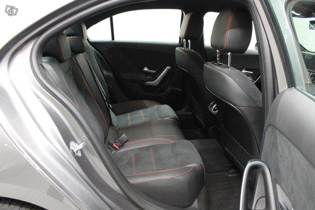 MERCEDES-BENZ A Sedan 6