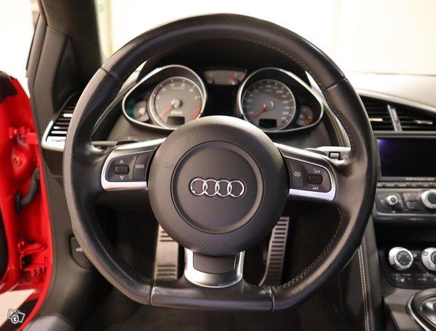Audi R8 10
