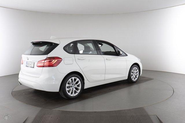 BMW 2-sarja 5