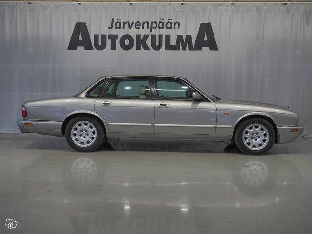 Jaguar XJ8 4
