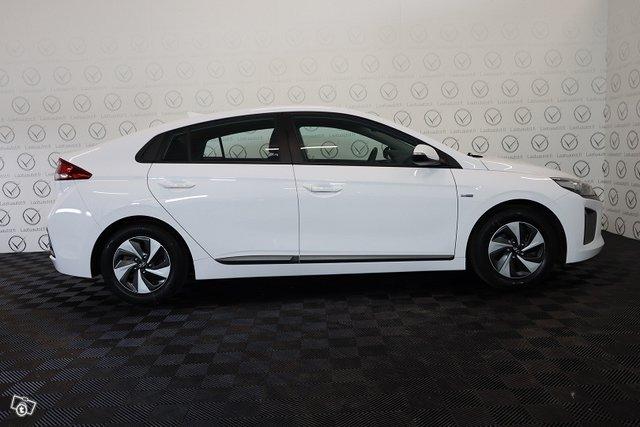 Hyundai IONIQ Hybrid 5