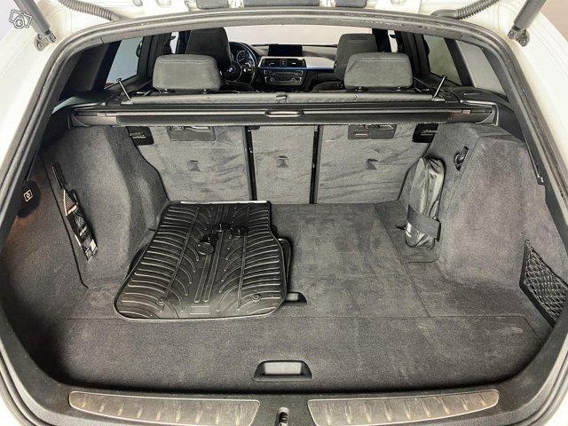 BMW 330 13