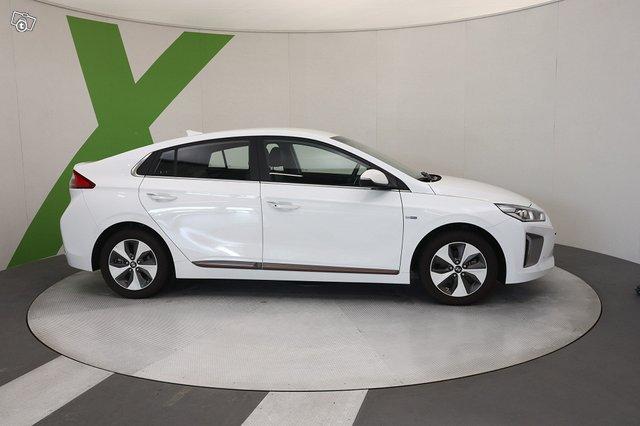 Hyundai Ioniq Electric 3