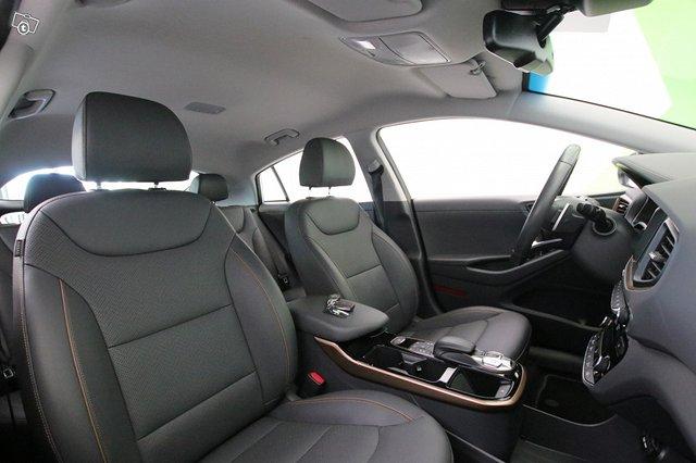 Hyundai Ioniq Electric 11
