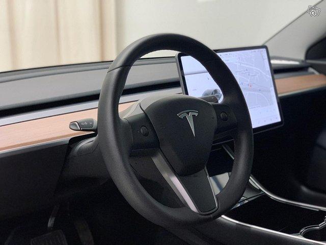 Tesla Model 3 10