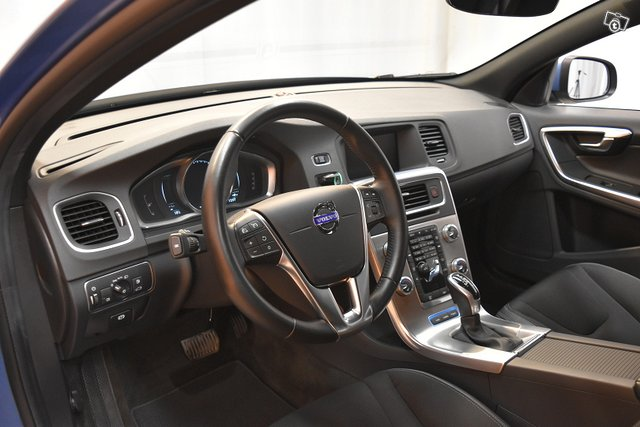 Volvo V60 9