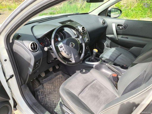 Nissan Qashqai 25