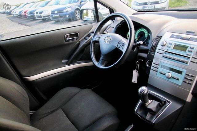 Toyota Corolla Verso 19