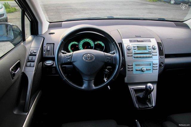 Toyota Corolla Verso 20