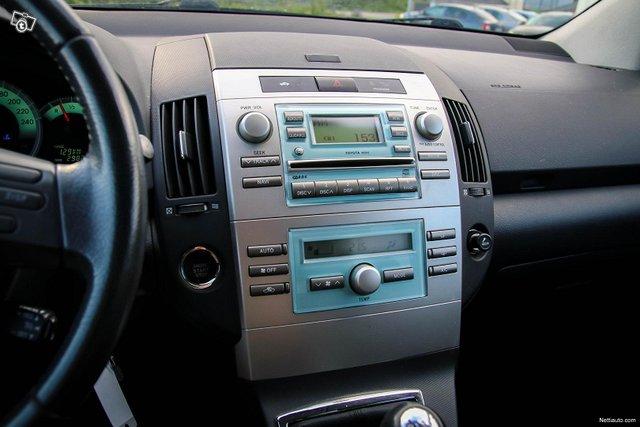 Toyota Corolla Verso 24