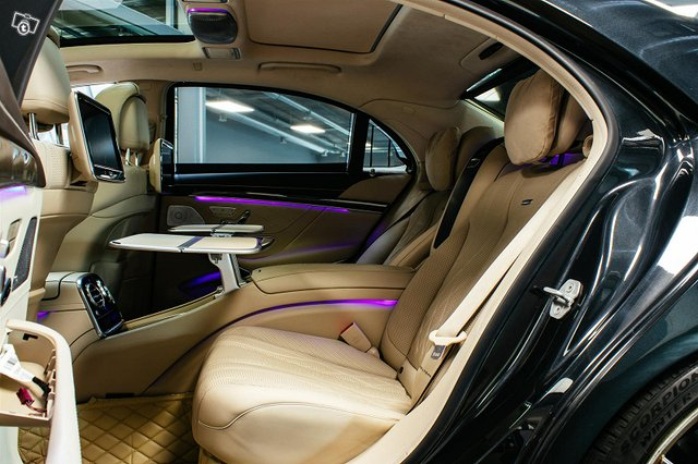 Mercedes-Benz S 63 AMG 10