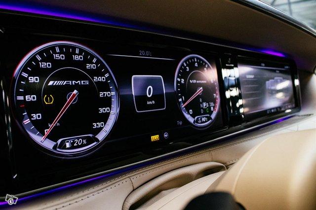 Mercedes-Benz S 63 AMG 13