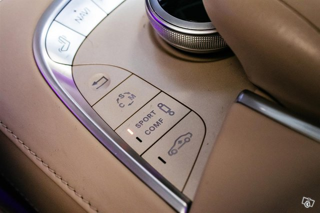 Mercedes-Benz S 63 AMG 22